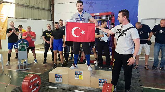 Hacettepe Üniversitesi Avrupa Şampiyonu Çıkartmanın Haklı Gurunu Yaşıyor!