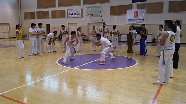 Capoeira Gösterisine Büyük İlgi!