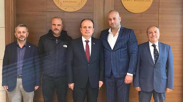 Türk sporunu daima ilerletmenin mutluluğunu ve haklı gururunu yaşıyoruz.