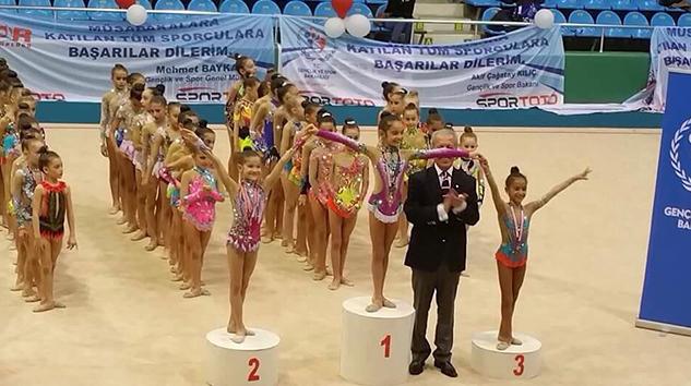 Küçükler Ritmik Cimnastikte Hacettepe Rüzgarı!