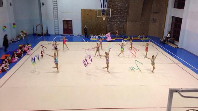 Cimnastik yılbaşı gösterisi